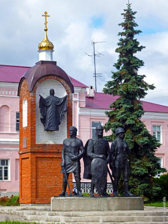 Памятный знак, установленный к 850-летию Ельца. Фото 2012 г.