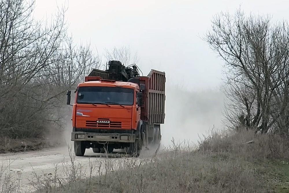 Мусоровоз в Лавском лесу