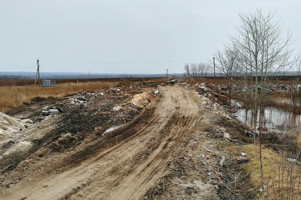 Дорога с елецкой городской свалки в Нижний Воргол