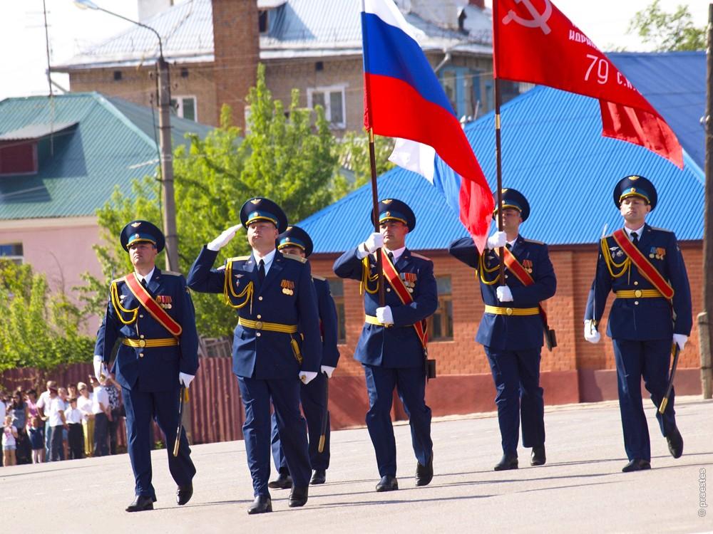 Парад Победы в Ельце 9 мая 2012 года