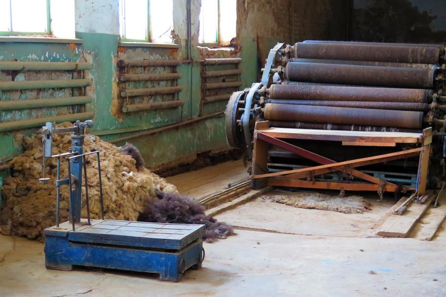 Обвалочный цех сапоговаляльной фабрики